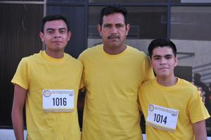 05072017 EN CARRERA.  Eduardo, Alejandro e Ignacio.