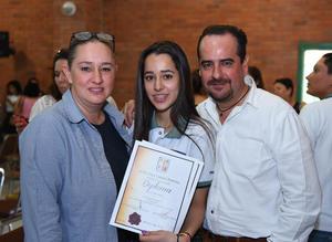 05072017 Nydia Perella, Regina Mota Perella y Julio César Mota.