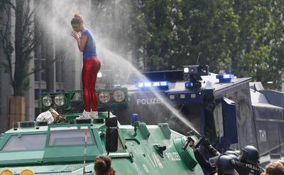 """Desde el estamento político, el ministro alemán de Justicia, Heiko Maas, condenó los altercados y, aunque hizo hincapié en que la crítica al G20 """"era bienvenida"""", afirmó que no se tolerará la violencia."""