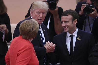 El presidente estadounidense, Donald Trump y el presidente galo, Emmanuel Macron.