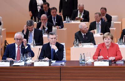 Asistieron a la sesión plenaria de la cumbre de líderes de estado y gobierno.