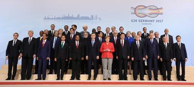 Los dirigentes mundiales se tomaron la fotografía oficial.