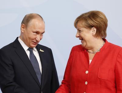 Merkel recibe al mandatario ruso Vladímir Putin.