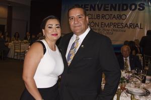 Diana Dgz. y Víctor Medrano