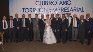 Integrantes del Club Rotario Torreón Empresarial con Esmeralda I