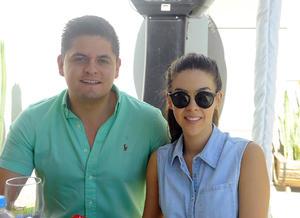 Héctor Salas y Brenda Casale