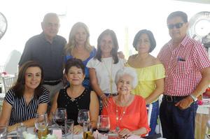 Kitty Casale, Jorge Franco, Lula Azuela, Ana Rendón, Cholola, Argentina Flores, Tedy Casale y Martha Jacob