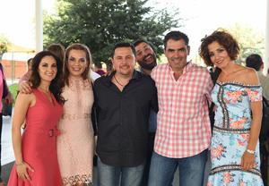 Lucía, Erika, Arturo, Héctor, Raúl y Eliana