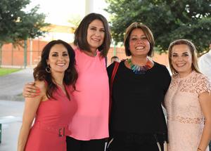 Lucía, Martha, Erika y Erika
