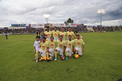 Por las leyendas del América estuvieron estrellas de la talla de Antonio Carlos Santos, Andres Chitiva y Fabian Estay.