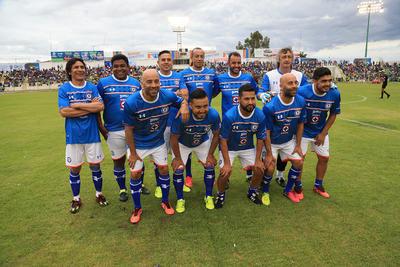Las leyendas que representaron a Cruz Azul, entre ellas Lupe Castañeda, los gemelos Rodríguez, Melvin Brown y el gran arquero, Norberto Scoponi.