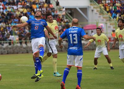 Cruz Azul se estaba reponiendo del golpe anímico, cuando Chitiva se volvió hacer presente en el marcador para poner los números en 3-0.
