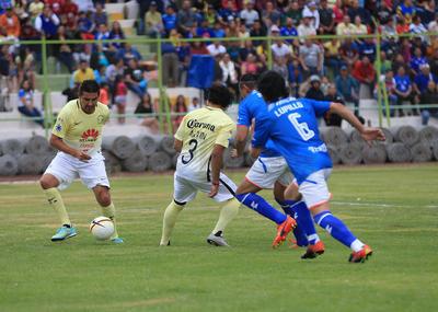 Sin embargo, al minuto 27, Andrés Chitiva se hizo presente en el marcador, después de que el portero azul, Norberto Escoponi, sacó unos balones difíciles y el 1-0 se mantuvo el primer tiempo.