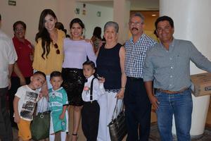 09072017 POSAN PARA LA FOTO.  Familia Hamdan Grimaldo.