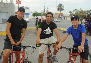 11072017 Erick, Gustavo y Kevin.