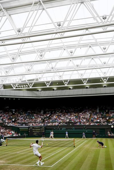 """Djokovic confesó al término del encuentro, que de disputó en la pista central del All Englad Tennis Club, sentirse """"muy contento"""" y pensando ya """"en su próximo partido""""."""