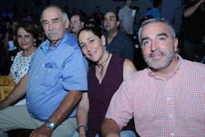 12072017 EN FAMILIA.  Guillermo, Mónica y Luis.