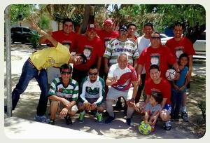 12072017 EN AMENO RATO.  En días pasados, se reunió el grupo de amigos Parceleros.
