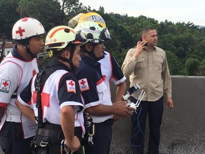 Elementos de la Cruz Roja de Morelos se dieron cita en el lugar.