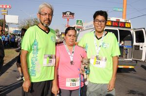 13072017 EN CARRERA.  Gerardo, Leticia y Gerardo.