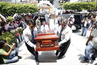 Juan Mena López y su hijo Juan Mena Romero eran los nombres de los fallecidos.