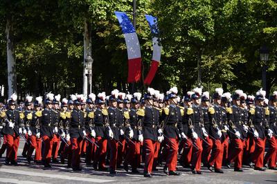 """""""Estados Unidos son de esos aliados seguros, amigos, que vinieron a nuestra ayuda. Por ello nada no separará nunca"""", declaró Macron en un breve discurso al término del desfile, en el que se interpretó el himno de ese país y se desplegó su bandera."""
