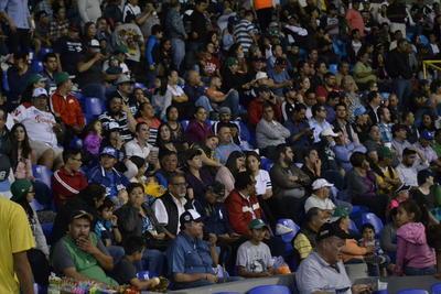 En la quinta Durango timbró en los spikes de Jairo Pérez, quien tras doblete anotó con imparable de Daniel Hinojosa y en la sexta, Jairo con un doblete impulsó a Santiago González con la octava carrera del juego que firmó el triunfo de los Generales.
