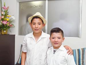 17072017 CONTENTOS.  Santiago y Nicolás.