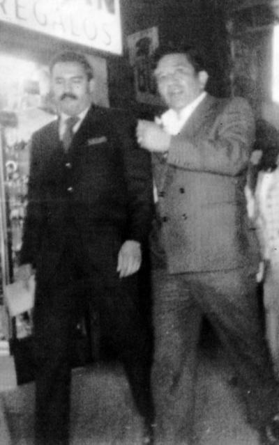 16072017 Antonio Muñoz Salazar de Transportes Escuadra Algodonera acompañado por Jesús Reyes, en la década de los 70'.