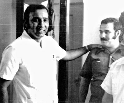 16072017 Carlos Ayala Espinoza, tesorero general de Coahuila, y Jesús Reyes García, en gira de trabajo en la década de los 70'.