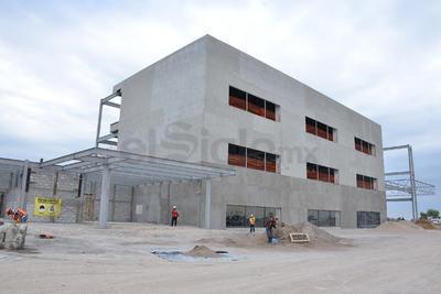 Avanzan las obras en el Centro de Convenciones de Torreón.