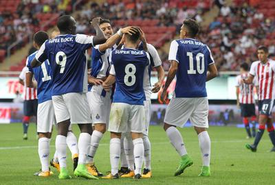 Consecuencia de las lesiones que aquejan a algunos de sus jugadores y a las ausencias de los involucrados en la selección que participa en la Copa Oro.