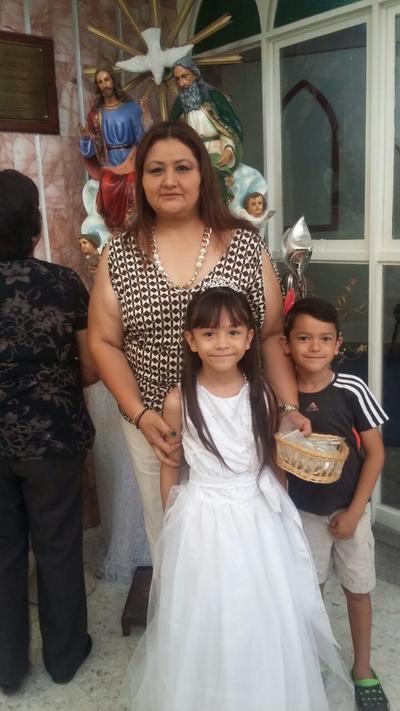 20072017 Lorena, Karen Andrea y Mauricio.