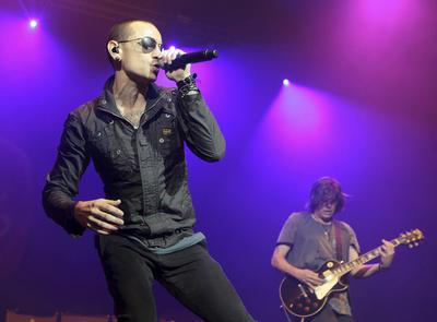 El cantante tuvo problemas con las drogas y el alcohol durante años .