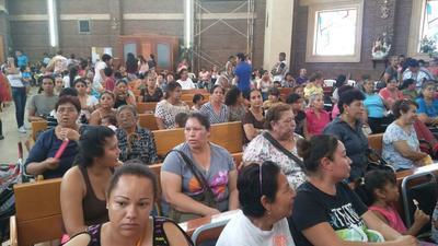 Este día acuden miles de devotos de otros municipios como Lerdo y Torreón