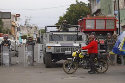 Las autoridades consideran a Pérez la cabeza de una organización extremadamente violenta que opera en las demarcaciones Tláhuac e Iztapalapa dedicada a la extorsión, los secuestros y la venta de drogas, además de estar vinculada a más de 50 asesinatos.