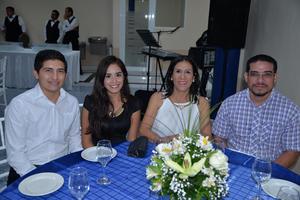 22072017 EN INAUGURACIóN.  Elliott, Katia, Sanjuana y Padre Armando Carlos.
