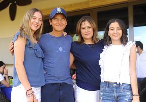 Mariana, Paulo, Noelie y Noelie
