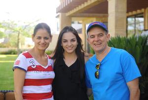 Paty, Natalia y Carlos
