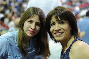Luisa con su hija, Luisa