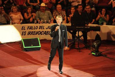 Aparte de cantar sus éxitos compartió sus buenas vibras a la audiencia.