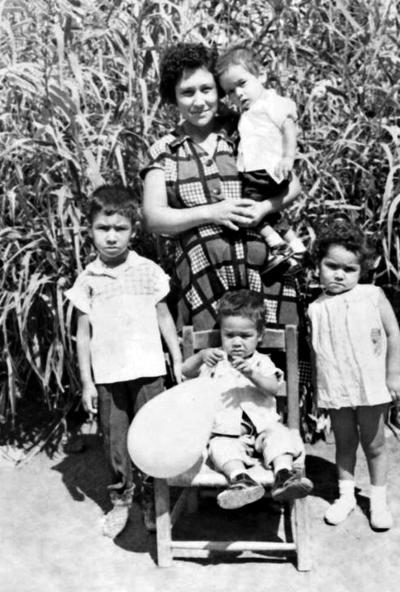 23072017 Familia Mazuca Chávez, en Florida, Coahuila: Rosa Chávez Morales, Adolfo, Juana Ma., Daniel y Héctor.