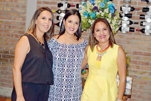 23072017 EN FESTEJO.  Miriam, Marcela y Valeria Ayala.
