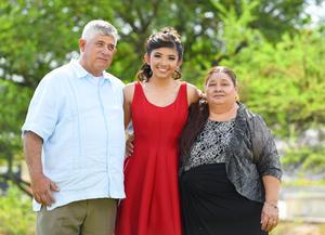 24072017 XV AñOS.  Natalie Soto Chairez con sus abuelitos, Juventino Soto Ramírez y Margarita Aguirre S.