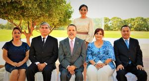 23072017 CONCLUYE UNA ETAPA.  Renata Chapa acompañada de Eiko Gavaldón Oseki, José Francisco Méndez, Guillermo Prieto y Lorena Giacomán.