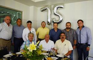 24072017 CELEBRA SU CUMPLEAñOS.  Leonel con Ramón, Carlos, José, Alejandro, José, Leonel, Martín, Agustin y Leonel, en su festejo por sus 75 años de vida.