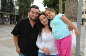 26072017 Omar, Emily y Romina.