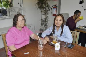 Jovita Herrera y Carmen Álvarez.
