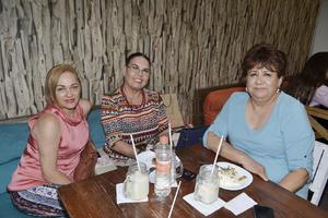 Ilse Medina, Patricia Porras y Maricarmen Tinoco.