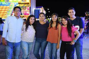28072017 NOCHES DE FERIA.  Uriel, Fabiola, Claudia, Anahí y Javier.